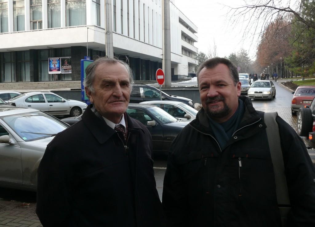 Gheorghe Vrabie és Szekeres Attila István Moldova fővárosában. Fotó: Silviu Tabac